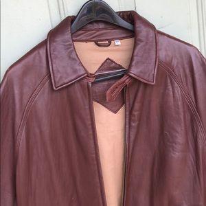 Large Roundtree & Yorke Leather Jacket